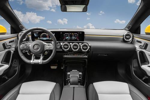 Mercedes-AMG CLA 35, ora anche Shooting Brake (9)