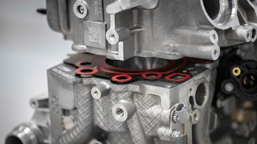 Mercedes-AMG: ecco il 2.0 4 cilindri da 421 CV (8)