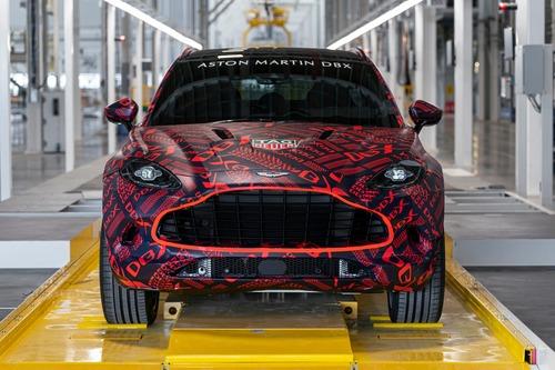 Aston Martin DBX: prodotti i primi esemplari (7)