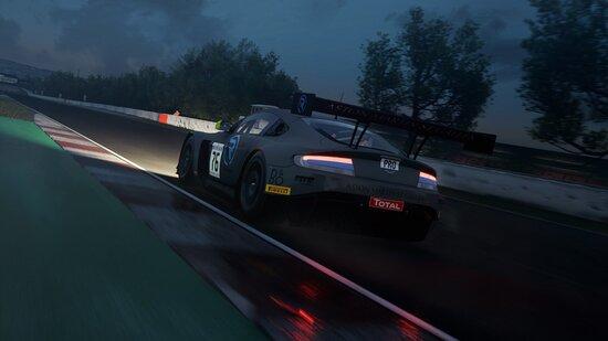 Ultima chance per ascoltare le note del V12, la Aston Martin Vantage GT3 ha un motore davvero infinito!