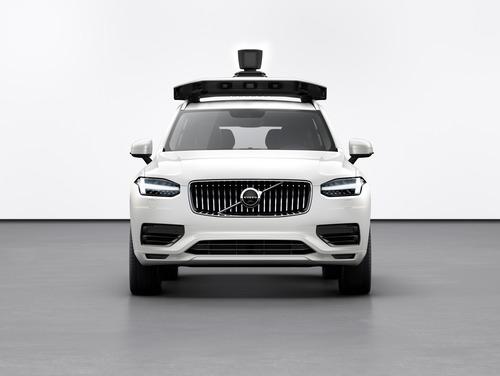 Volvo: con Uber la XC90 a guida autonoma (3)