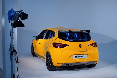 Renault Clio: Cup, Rally ed RX 2020 in un'auto sola (4)