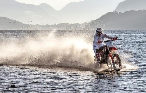 Luca Colombo a caccia del record di velocità sull'acqua (3)