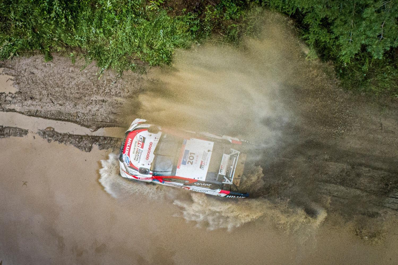 Silk Way Rally 2019-1. Al Attiyah (Toyota) e i Fratelli Benavides