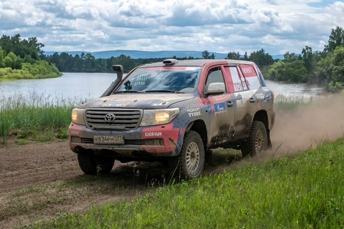 Silk Way Rally 2019-1. Al Attiyah (Toyota) e i Fratelli Benavides (3)