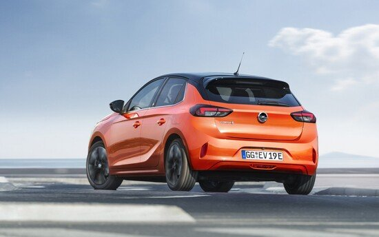 Autonomia di 330 km per la nuova Opel Corsa-e