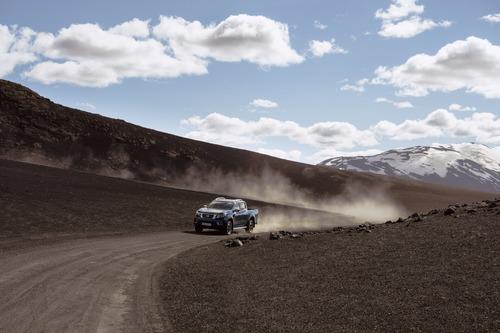 Nissan Navara, aggiornamento per il pick-up (2)