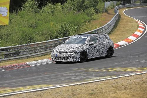 Volkswagen Golf GTI, le foto spia al Nürburgring (9)