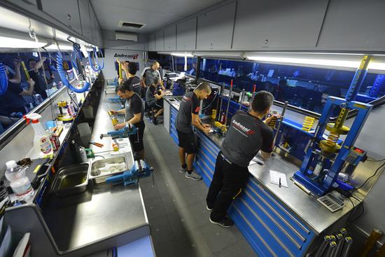 I tecnici Andreani impegnati nell'assistenza alle gare