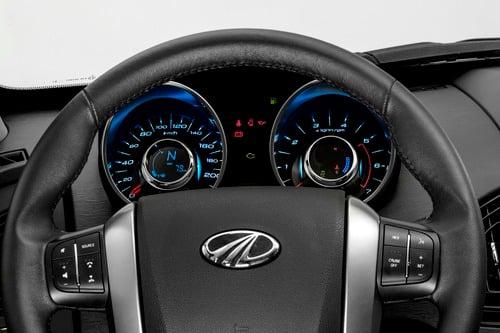 SUV Mahindra, XUV500: 7 posti e fuoristrada soft no-problem. Prezzo? Ancora meno [Foto gallery] (8)