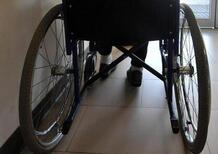 In carrozzina sulla tangenziale: 90enne salvato dalla Polizia