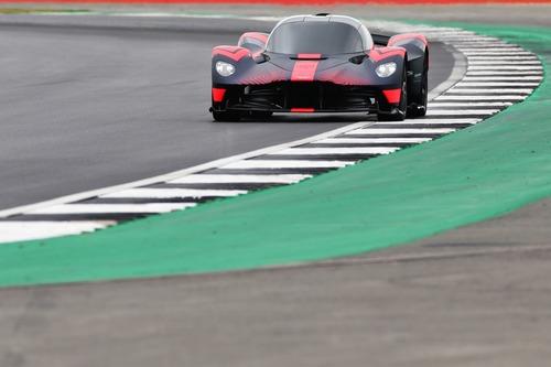 Aston Martin Valkyrie: eccola in livrea Red Bull (2)