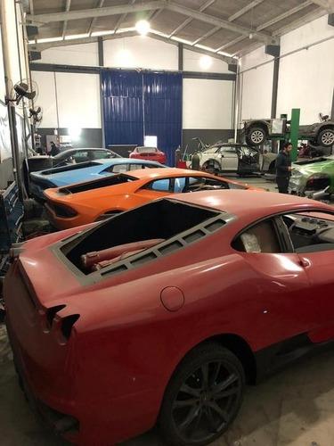 Scoperta fabbrica di false Ferrari e Lamborghini (3)