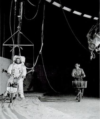 Le moto del programma Apollo per lo sbarco sulla Luna  (4)