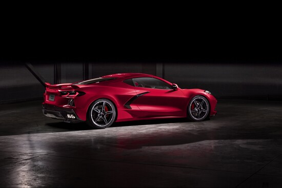Linee da supercar europea, stile 100% Corvette