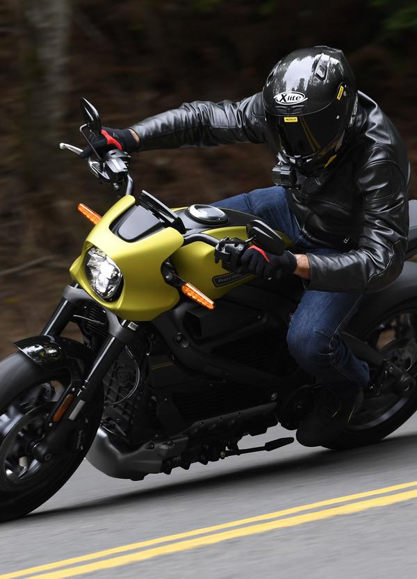 Harley-Davidson LiveWire: TEST, come va la prima elettrica di Milwaukee