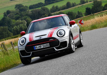 Mini Clubman John Cooper Works 2019, restyling e tanta potenza in più [Video]