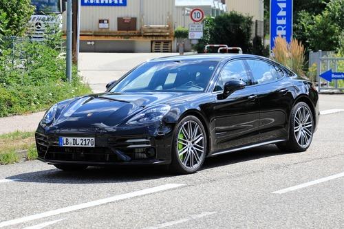 Porsche Panamera restyling, le foto spia (3)
