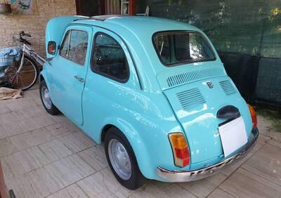 500 R d'epoca del 1975 a Bari