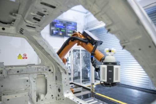 Robot e tecnologie laser: insieme nella nuova frontiera della produzione automobilistica (2)