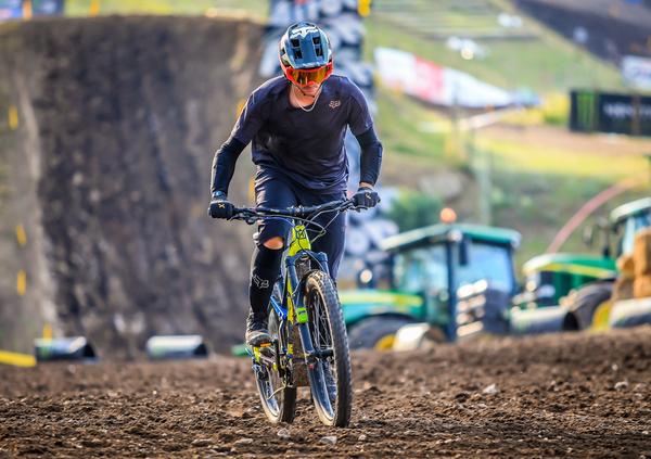 E-X Bike World Cup, il via a Imola. C'è anche Melandri