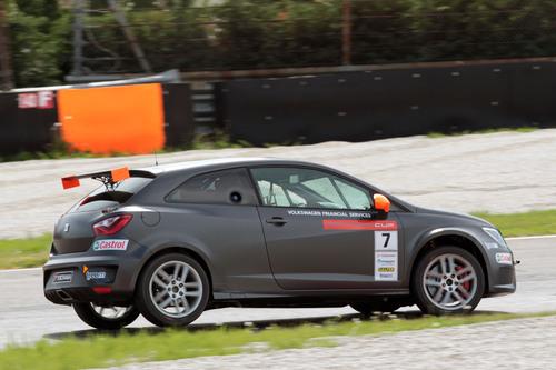 Seat Motorsport 2016: ecco la Leon ST TCS (6)