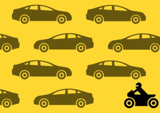 Moto e auto: manuale di convivenza in cinque citazioni (più una)