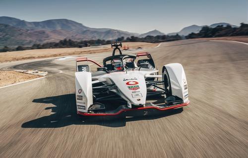 Formula E: Porsche svela la 99X Electric