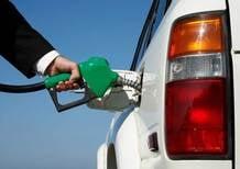 Prezzi benzina: Italia seconda solo all'Olanda