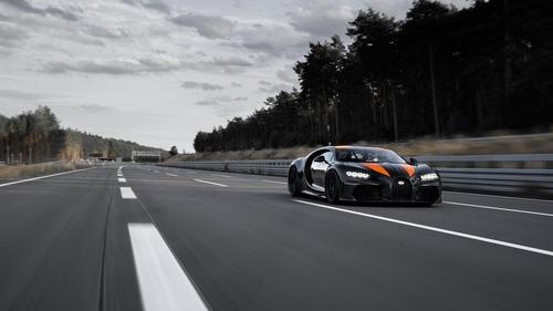 """Bugatti Chiron, gomme """"spaziali"""" per il record di velocità  (4)"""