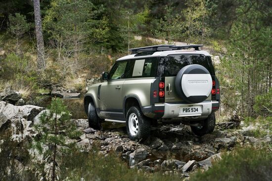 Il posteriore del nuovo Land Rover Defender