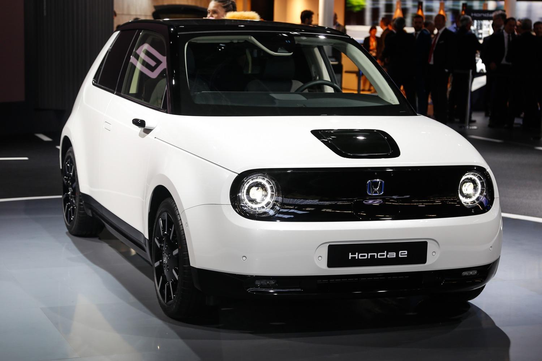 Honda e, svelati i prezzi al Salone di Francoforte 2019: da 35.500 euro
