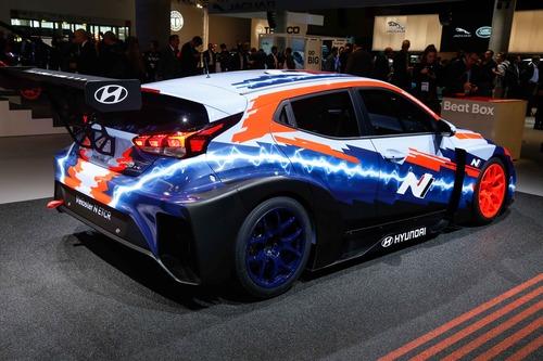 Hyundai Veloster N ETCR, l'elettrica da corsa al Salone di Francoforte 2019 (7)