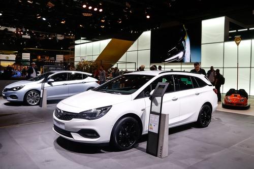 Opel Corsa-e e Grandland Hybrid: scopritele con la realtà aumentata a Francoforte 2019 (6)
