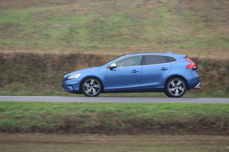 Volvo V40 T2 Geartronic Business Plus (2)