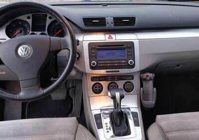 Volkswagen Passat Variant 2.0 16V TDI Highline del 2005 usata a Basiano