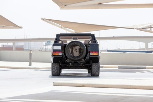 Lamborghini LM002: la nonna della Urus va all'asta (5)