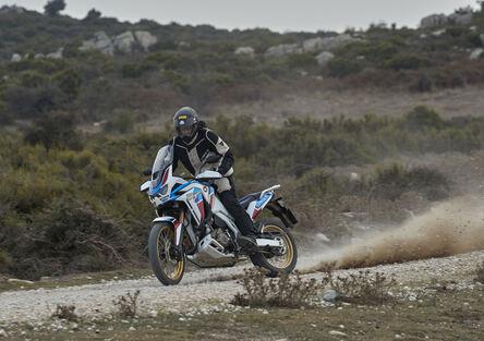 Honda Africa Twin CRF1100L Adventure Sports: TEST, anteprima VIDEO