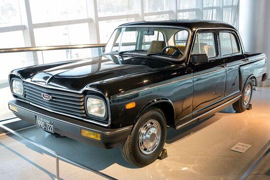 Una Shanghai SH760A del 1990: da notare il design ancora fortemente influenzato da quello degli anni '70