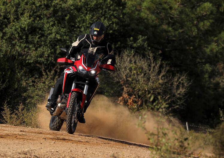 Nuova Honda Africa Twin CRF1100L: TEST su strada e offroad