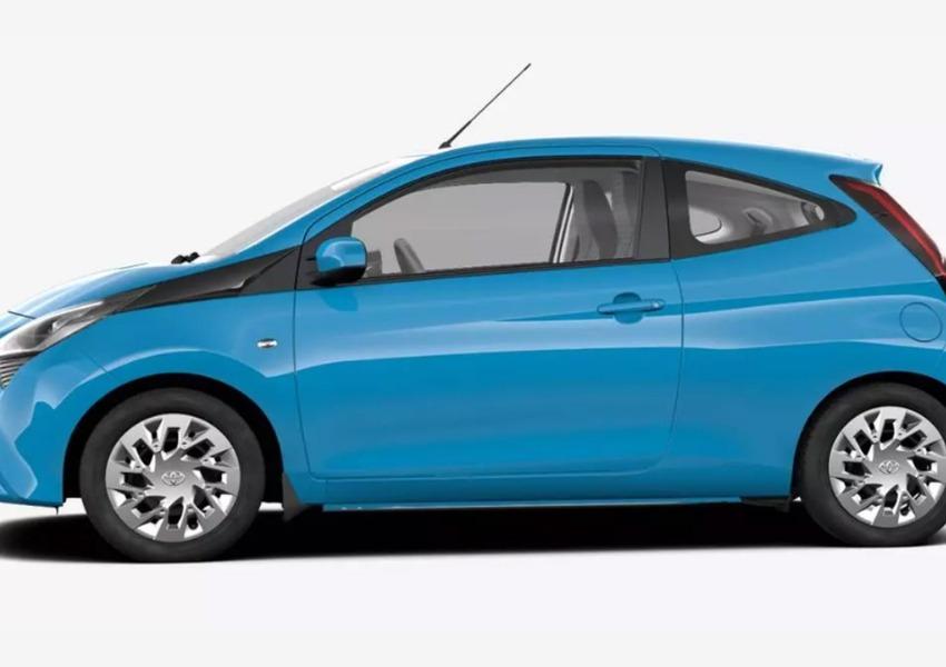 Toyota Aygo 1.0 VVT-i 69 CV 5 porte x-wave MMT (3)