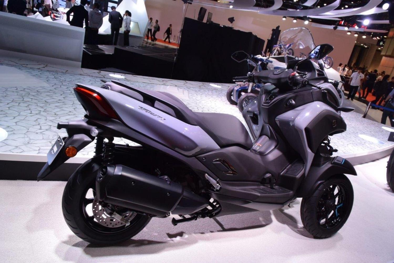Yamaha Tricity 300. Cresce la cilindrata, ma basta la patente B