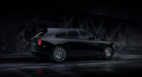 Rolls-Royce Cullinan Black Badge, look total black per il SUV di lusso (6)