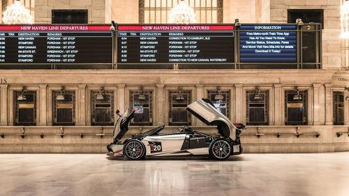 Pagani, sei vetture in mostra alla Grand Central Station di New York (2)