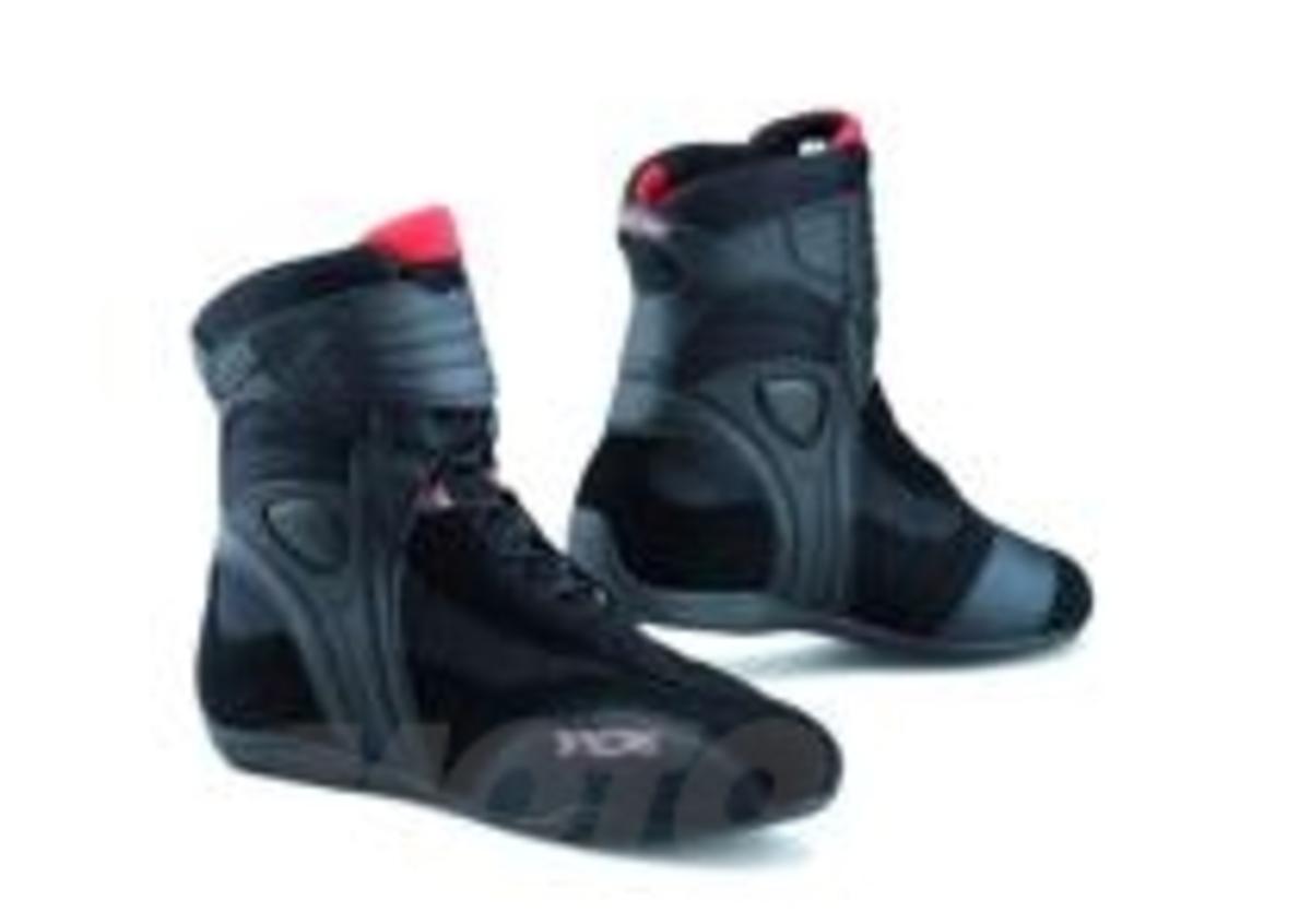 A-Pro srl Scarpa Moto Stivaletti Touring Calzatura Sport Motociclista Protezione Sliders 40 EU, Bianco
