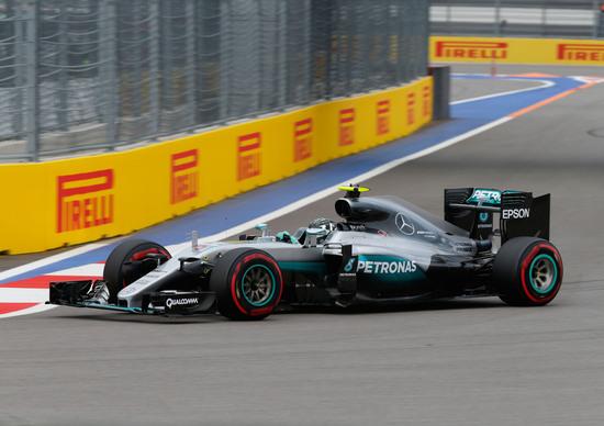 F1, Gp Russia 2016: pole per Rosberg