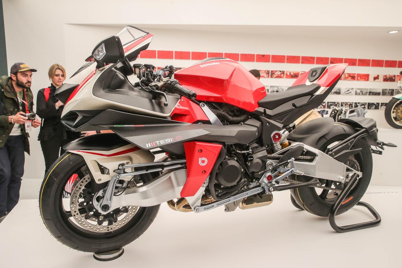 Bimota Tesi H2: Kawasaki si lancia nell'impresa