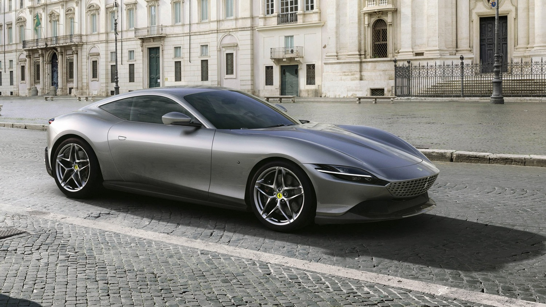 Ferrari presenta la nuova coupé Roma, dedicata alla Dolce Vita