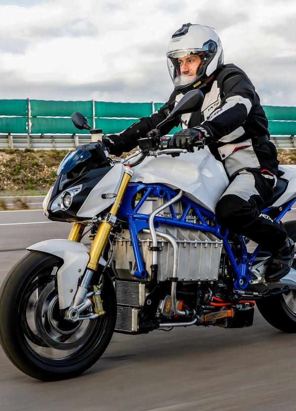 E-Power-Roadster Prototype, la moto elettrica di BMW
