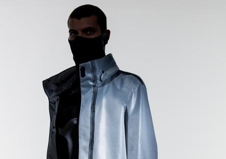 La giacca intelligente da moto che protegge dall'inquinamento